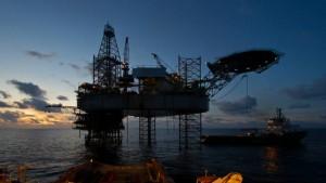 Gas Sayago y Mitsui firman contrato de arrendamiento de regasificadora