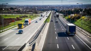Subsidiaria de CCI obtiene línea de crédito para construir autopista