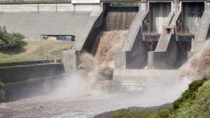 Payet, Rey interviene en préstamo por USD 365 millones otorgado a Hydro Global