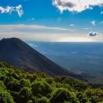 Arias promueve cuatro socios en El Salvador
