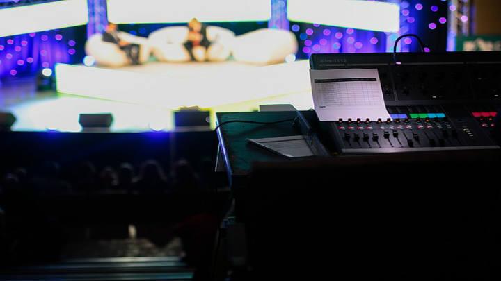 Nader Hayaux y Ritch Mueller intervienen en emisión internacional de bonos de TV Azteca