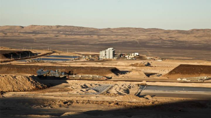 Guerrero Olivos y Jara del Favero apoyan en reprogramación de crédito sindicado de minera Algorta Norte