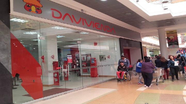Inmoval compra y arrienda activos inmobiliarios a Banco Davivienda en Colombia